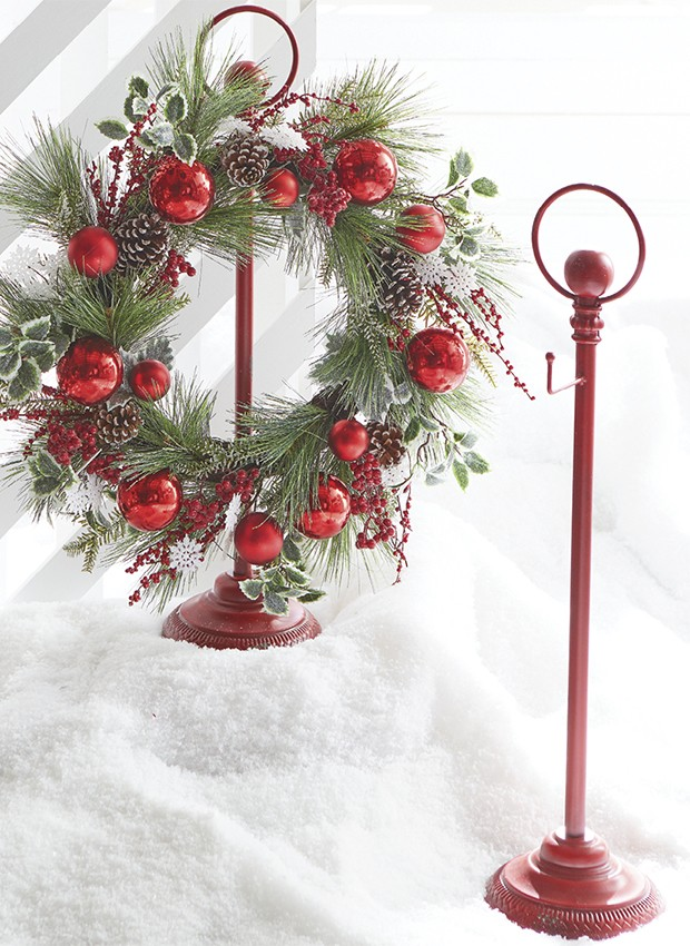 Holiday hued wreath stand
